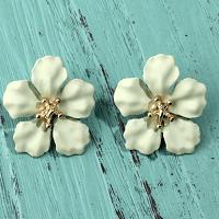 Petals Stud Earrings Soft Green