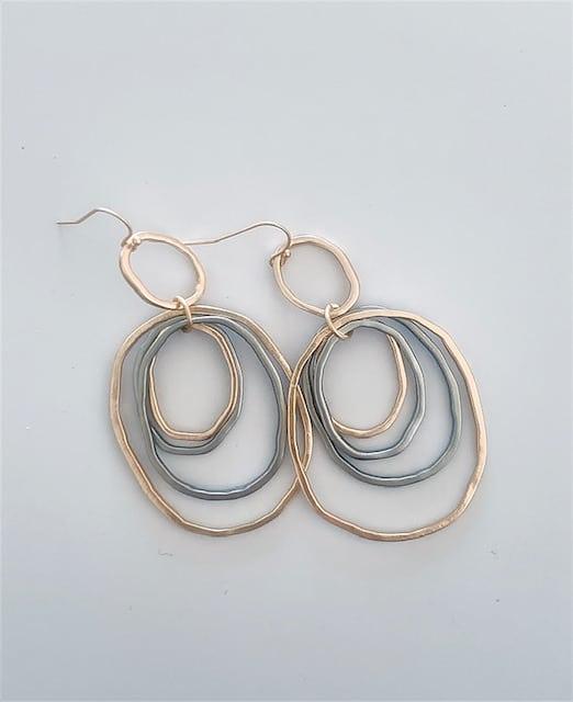 Nikki Earrings Gold