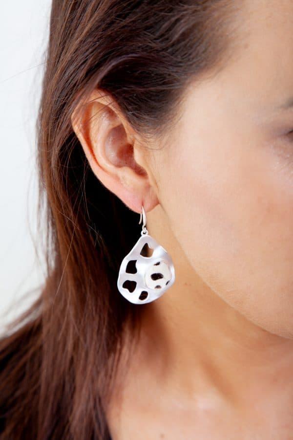 ELLIE Drop Earrings Black/White